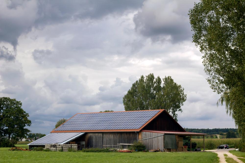 panneaux-photovoltaique-hangar